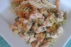 Příprava receptu Kuřecí nudličky na zeleninové smetanové omáčce s těstovinami, krok 3