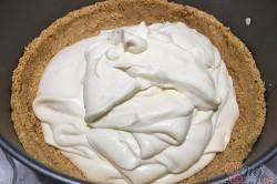 Příprava receptu Srdíčkový cheesecake z bílé čokolády a malin, krok 1