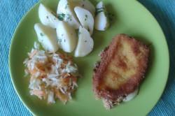 Příprava receptu Smažený sýr s bramborem a salátkem, krok 1