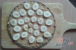 Příprava receptu Ovesná pizza s arašídovým máslem a banánem, krok 1
